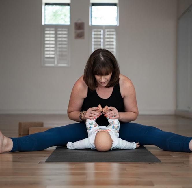 Mum-and-Baby-Yoga-hero-3